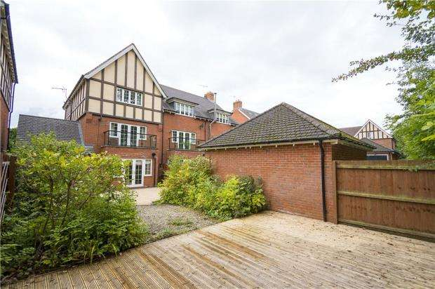 4 Bedrooms House for sale in Laneham Place, Kenilworth