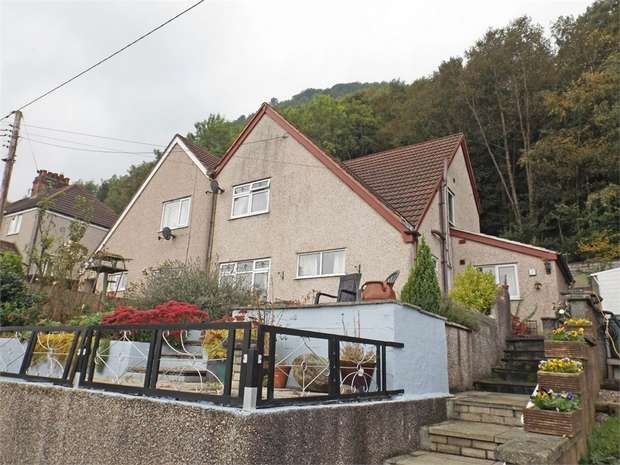3 Bedrooms Semi Detached House for sale in Graham Road, Dolgarrog, Conwy