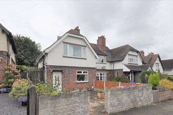 3 Bedrooms Town House for sale in Palmers Green, Hartshill , Stoke-on-Trent, ST4 6AP