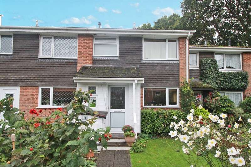 3 Bedrooms Town House for sale in Pittmore Road, Burton, Christchurch
