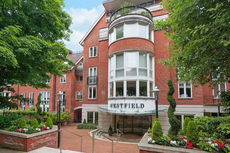 3 Bedrooms Flat for sale in Kidderpore Avenue, London, NW3 7SG