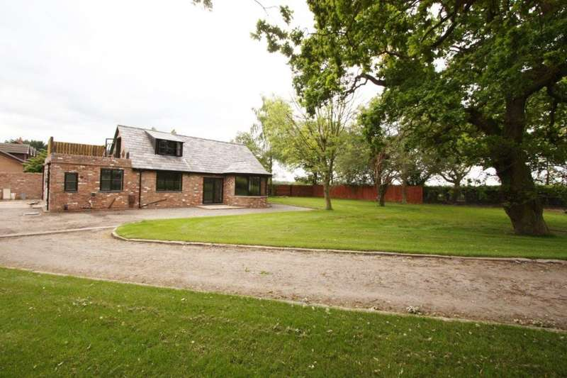 4 Bedrooms Cottage House for rent in Arley Road, Appleton, Warrington, WA4