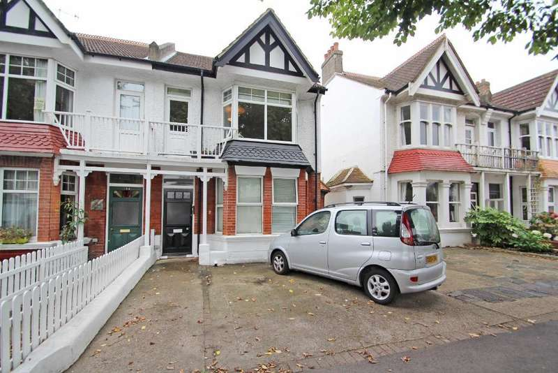 2 Bedrooms Flat for sale in New Church Road, Hove, East Sussex, BN3 4EB
