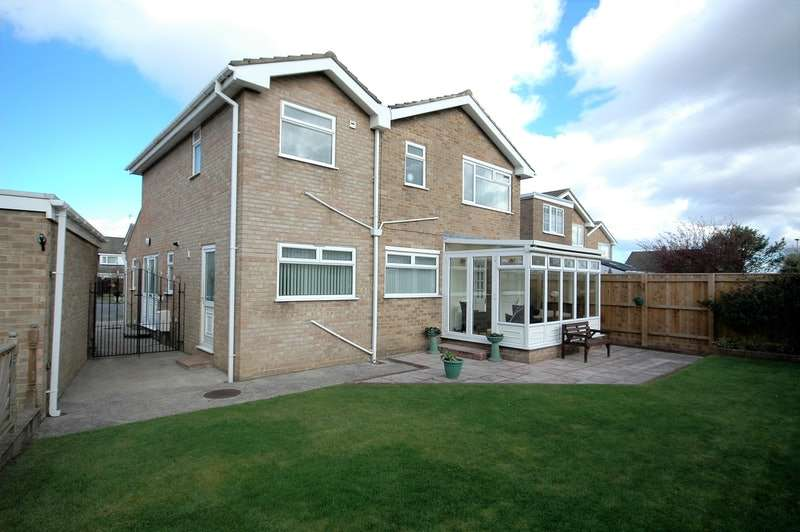 4 Bedrooms Detached House for sale in WHINGROVES, THORNABY STOCKTON ON TEES, County Durham, TS17