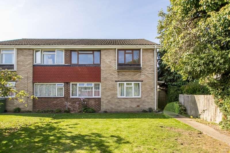 2 Bedrooms Maisonette Flat for sale in Wimborne Close, Epsom, Surrey, KT17