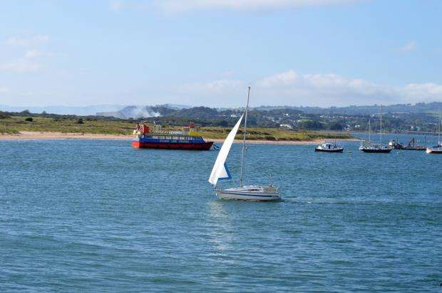 2 Bedrooms Flat for sale in Shelly Court, Pierhead, Exmouth, Devon