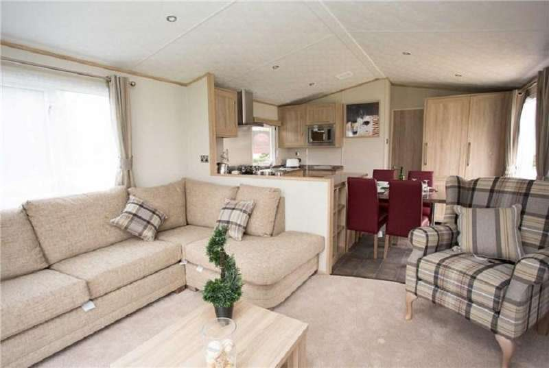 3 Bedrooms Mobile Home for sale in Allhallows, Rochester, Kent. ME3 9QD