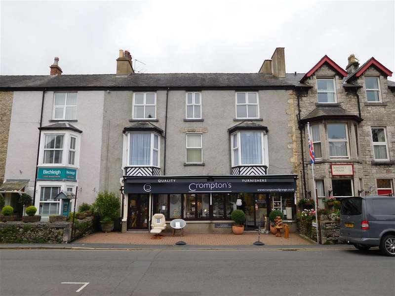 2 Bedrooms Apartment Flat for sale in Hillfoot, Kents Bank Road, GRANGE-OVER-SANDS
