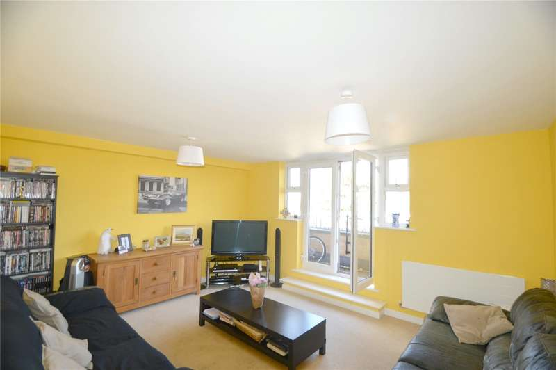 2 Bedrooms Apartment Flat for sale in Pavement Square, Croydon
