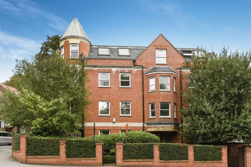 2 Bedrooms Flat for sale in Kirkdale, Sydenham, SE26