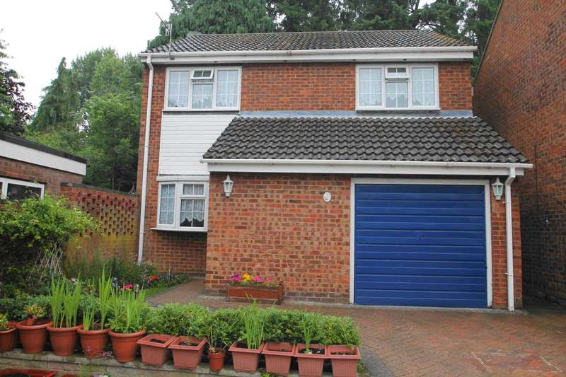 4 Bedrooms Detached House for sale in 4 BED DETACHED FAMILY HOME with PARKING & GARAGE