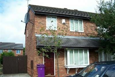 3 Bedrooms House for rent in Brampton Drive, L8
