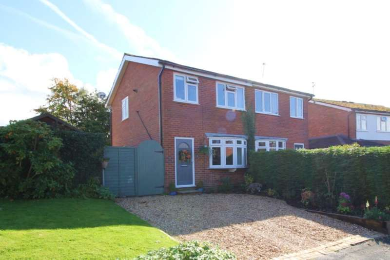 3 Bedrooms Semi Detached House for sale in Newquay Drive, Macclesfield, SK10