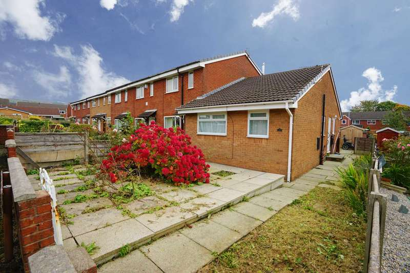 2 Bedrooms Bungalow for sale in Heather Close, Horwich