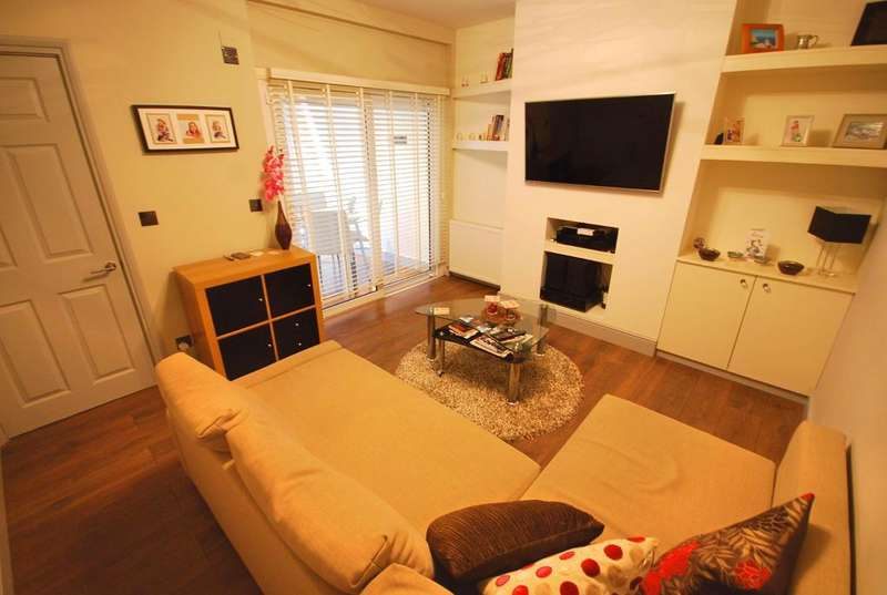 2 Bedrooms Maisonette Flat for sale in KENMERE GARDENS, WEMBLEY, MIDDLESEX, HA0 1TD