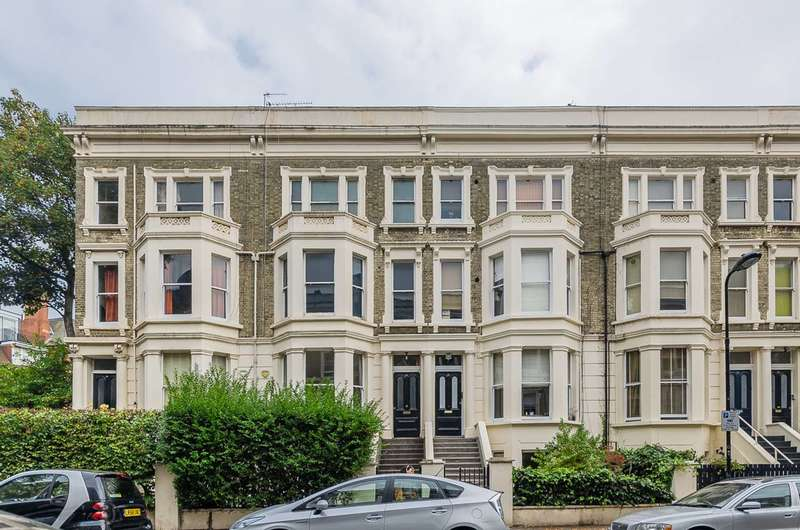 3 Bedrooms Maisonette Flat for sale in Winchester Road, Swiss Cottage, NW3