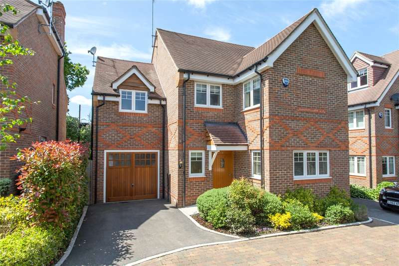4 Bedrooms Detached House for sale in Peacock Close, Beaconsfield, Buckinghamshire, HP9