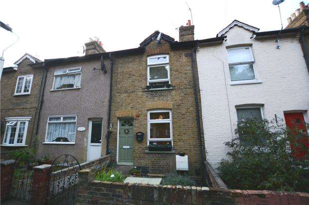 2 Bedrooms Terraced House for sale in Colham Avenue, West Drayton