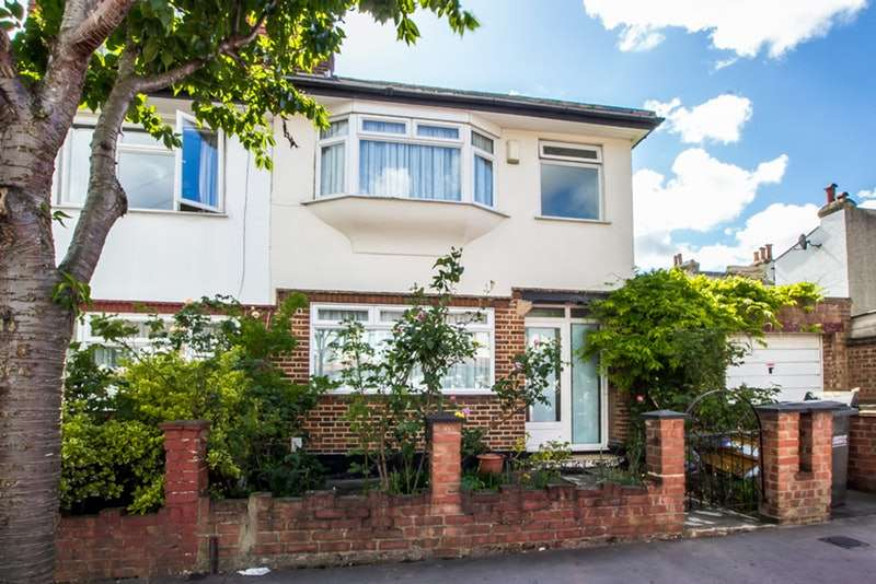 3 Bedrooms End Of Terrace House for sale in Sandringham Road, Thornton Heath, Surrey, CR7