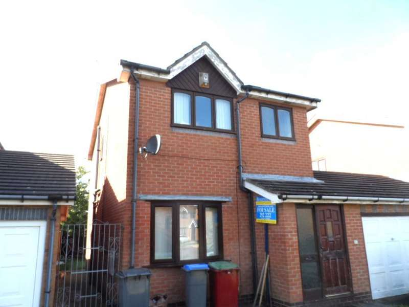 3 Bedrooms Detached House for sale in Askrigg Close, Blackpool, FY4 5RE