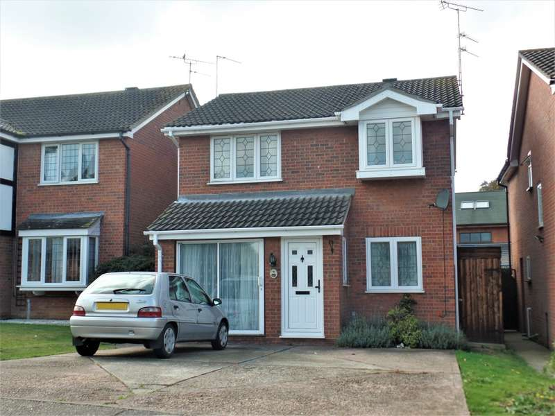 4 Bedrooms Detached House for sale in Greenacres, Clacton on Sea