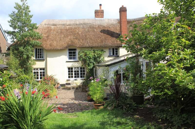4 Bedrooms Cottage House for sale in Fore Street, Witheridge, Devon, EX16