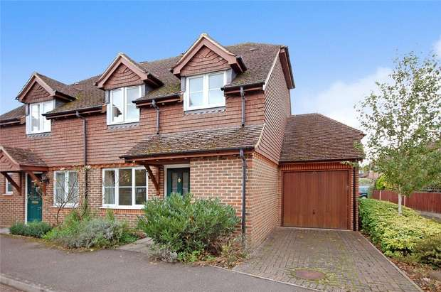 3 Bedrooms Semi Detached House for sale in Farnham, Surrey