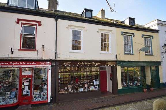 2 Bedrooms Town House for sale in Church Street, Sidmouth