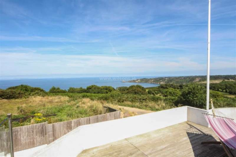 3 Bedrooms Detached House for sale in Trinity