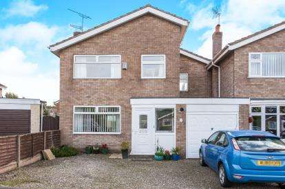 4 Bedrooms Link Detached House for sale in Llandovery Close, Winsford, Cheshire, England