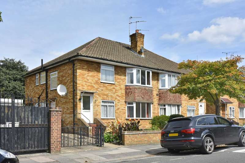 2 Bedrooms Apartment Flat for sale in Webster Gardens, Ealing