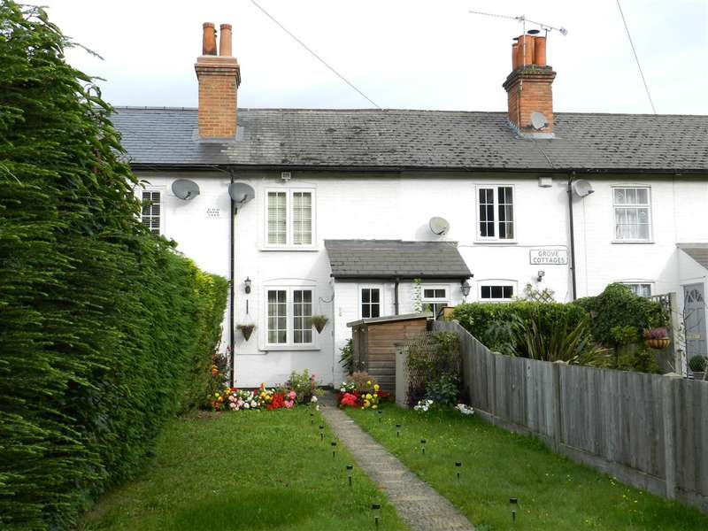 2 Bedrooms Terraced House for sale in Grove Cottages, Nine Mile Ride, Wokingham