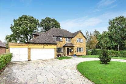 4 Bedrooms Detached House for sale in Wickham Way, Beckenham
