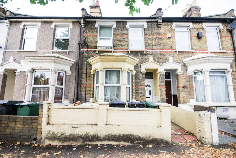 3 Bedrooms Terraced House for sale in Belmont Park Road, Leyton