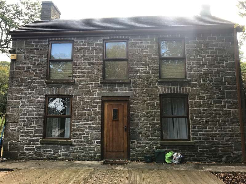 2 Bedrooms Detached House for sale in Balaclava Road, Glais, Swansea