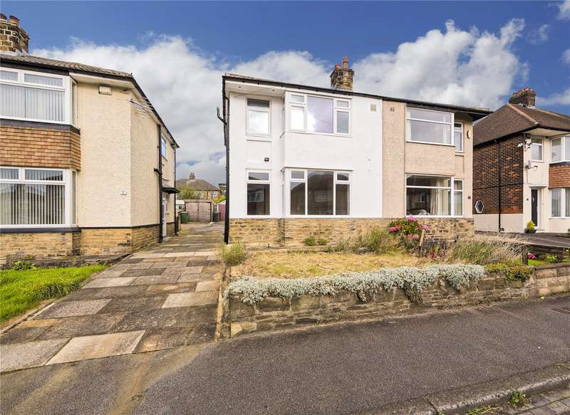 3 Bedrooms Semi Detached House for sale in Moorland Road, Pudsey, West Yorkshire, LS28