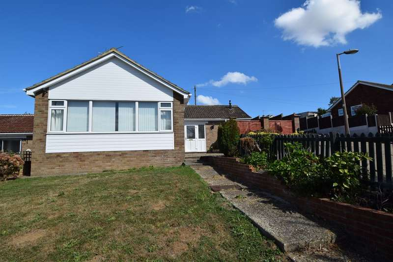 4 Bedrooms Detached Bungalow for sale in Woodrow Chase, Herne, Herne Bay