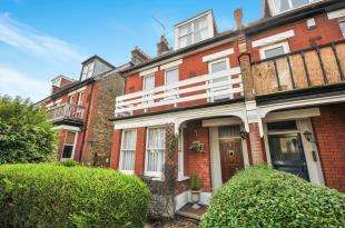 6 Bedrooms Semi Detached House for sale in Temple Road, Croydon