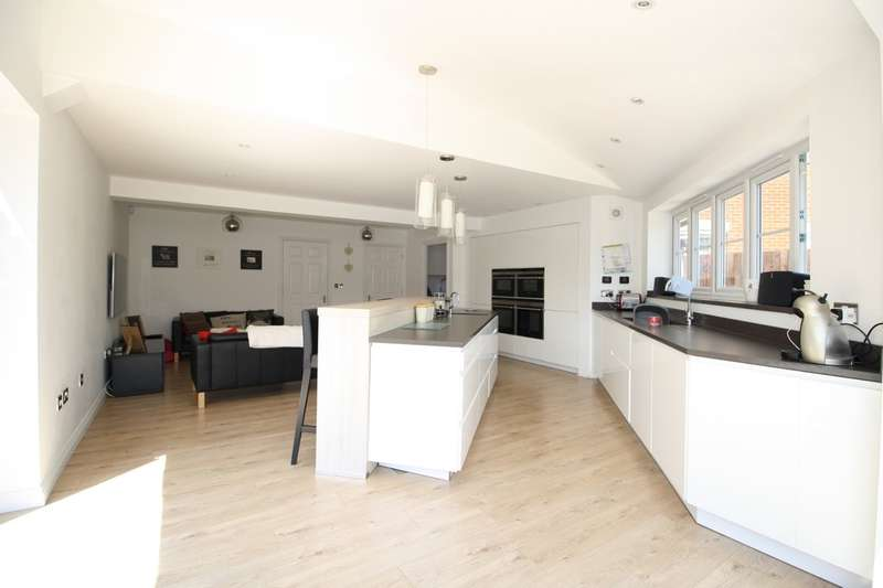 7 Bedrooms Detached House for sale in Fenton Road, Chafford Hundred