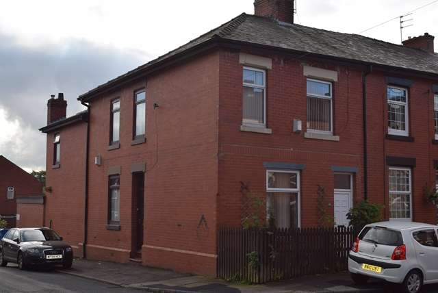 3 Bedrooms End Of Terrace House for sale in For Sale Greenhill Road, Middleton M24 2BB.