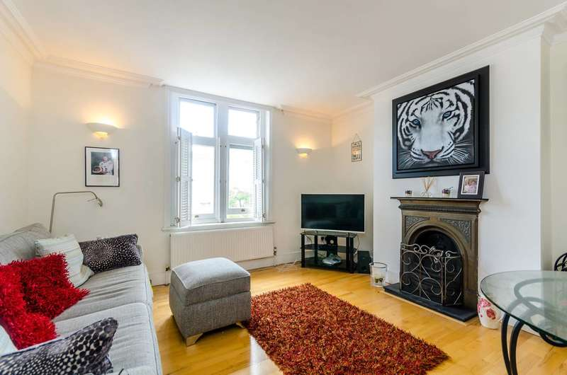 2 Bedrooms Flat for sale in Brighton Road, Surbiton, KT6