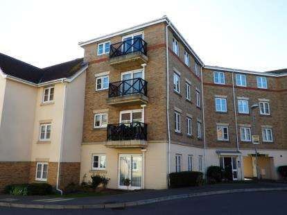 2 Bedrooms Flat for sale in Southend On Sea, Essex