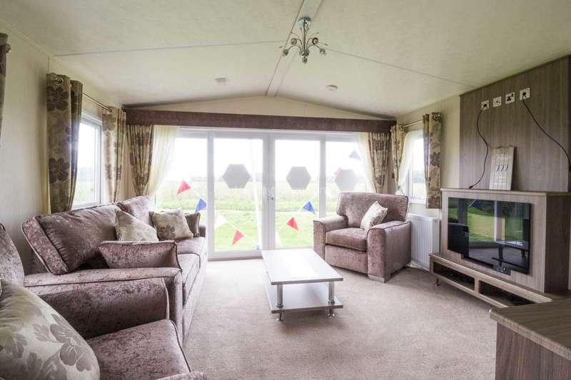 2 Bedrooms Caravan Mobile Home for sale in Corton, Lowestoft, Suffolk