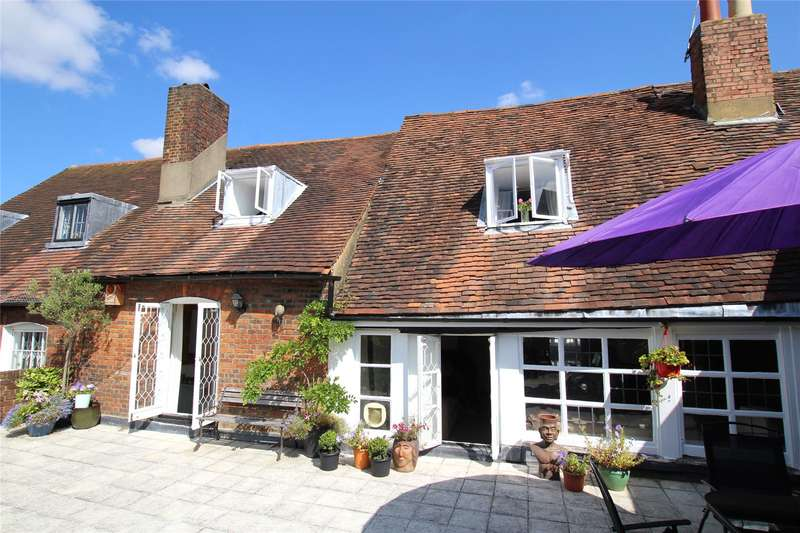 2 Bedrooms Flat for sale in George Street, St. Albans, Hertfordshire, AL3