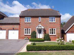 4 Bedrooms Link Detached House for sale in Rectory Close, Ashington, Pulborough, West Sussex