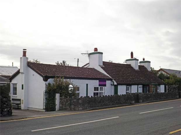 4 Bedrooms Detached Bungalow for sale in Newborough, Llanfairpwllgwyngyll, Anglesey