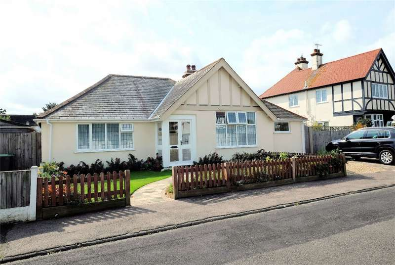 2 Bedrooms Detached Bungalow for sale in Gloucester Road, Tankerton, WHITSTABLE, Kent