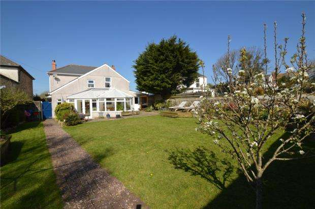 3 Bedrooms Detached House for sale in Trelissick Road, Hayle, Cornwall