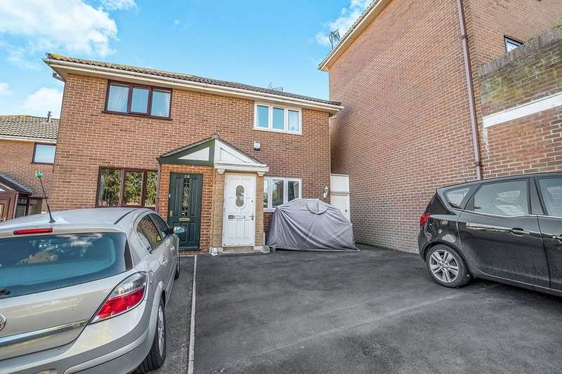 2 Bedrooms Semi Detached House for sale in Hewitt Close, Gillingham, ME7