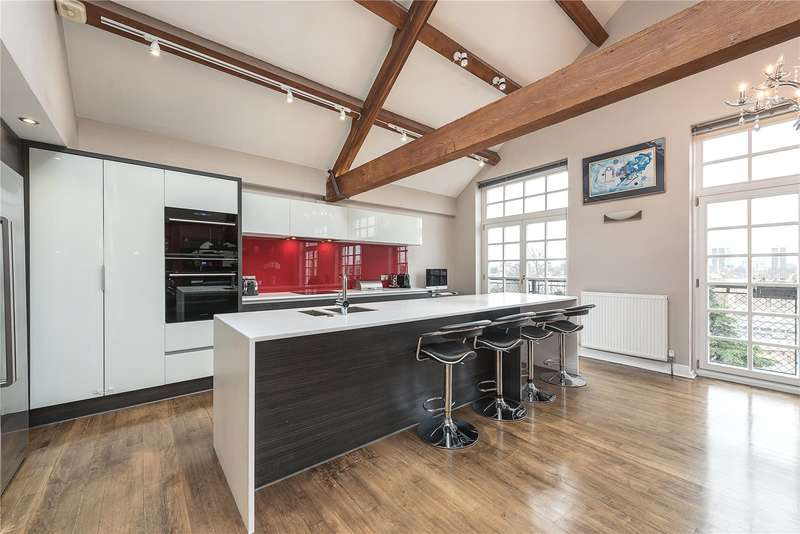 3 Bedrooms Flat for sale in Tottenham Road, London, N1
